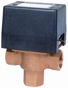 """Elektrický trojcestný ventil. Připojení 3/4"""" in 230 V"""
