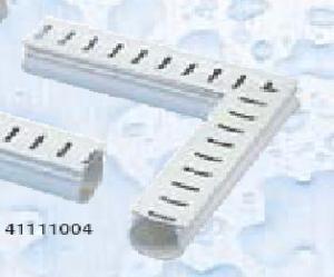 Odvodňovací žlábek s mřížkou (rohový kus 90°)