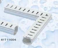 Odvodňovací žlábek s mřížkou (rohový kus 90°) Odvodňovací žlábek s mřížkou (rohový kus 90°)